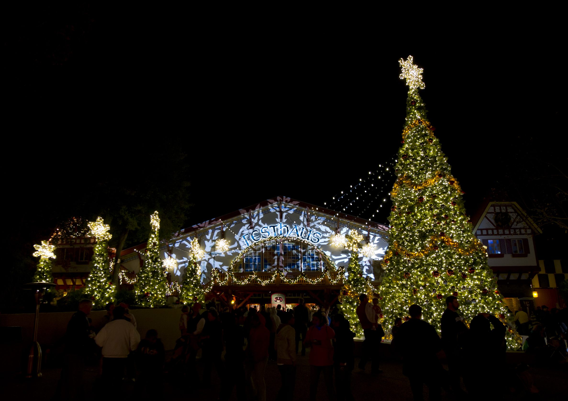 Christmas Town At Busch Gardens Tampa Best Images Collections Hd For Gadget Windows Mac Android