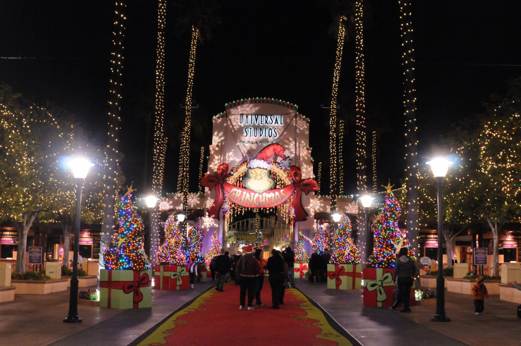 Behind the Thrills | Grinchmas Shines Bright at Universal Studios ...