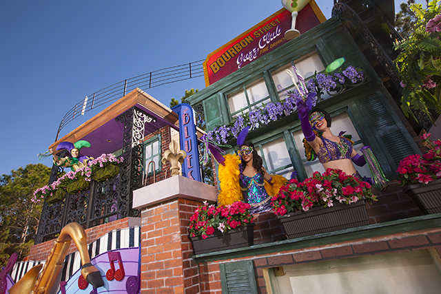 With a French Quarter-style balcony and jazz musicians galore, the newly-enhanced ÒMusic of New OrleansÓ float at Universal OrlandoÕs 2013 Mardi Gras parade showcases the musical impact the Big Easy.