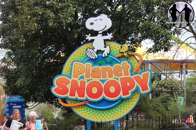 Planet Snoopy Entrance