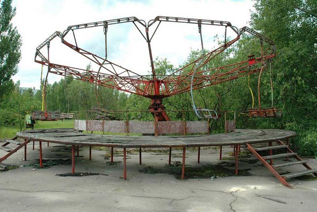 Pripyat_amusement_park_1