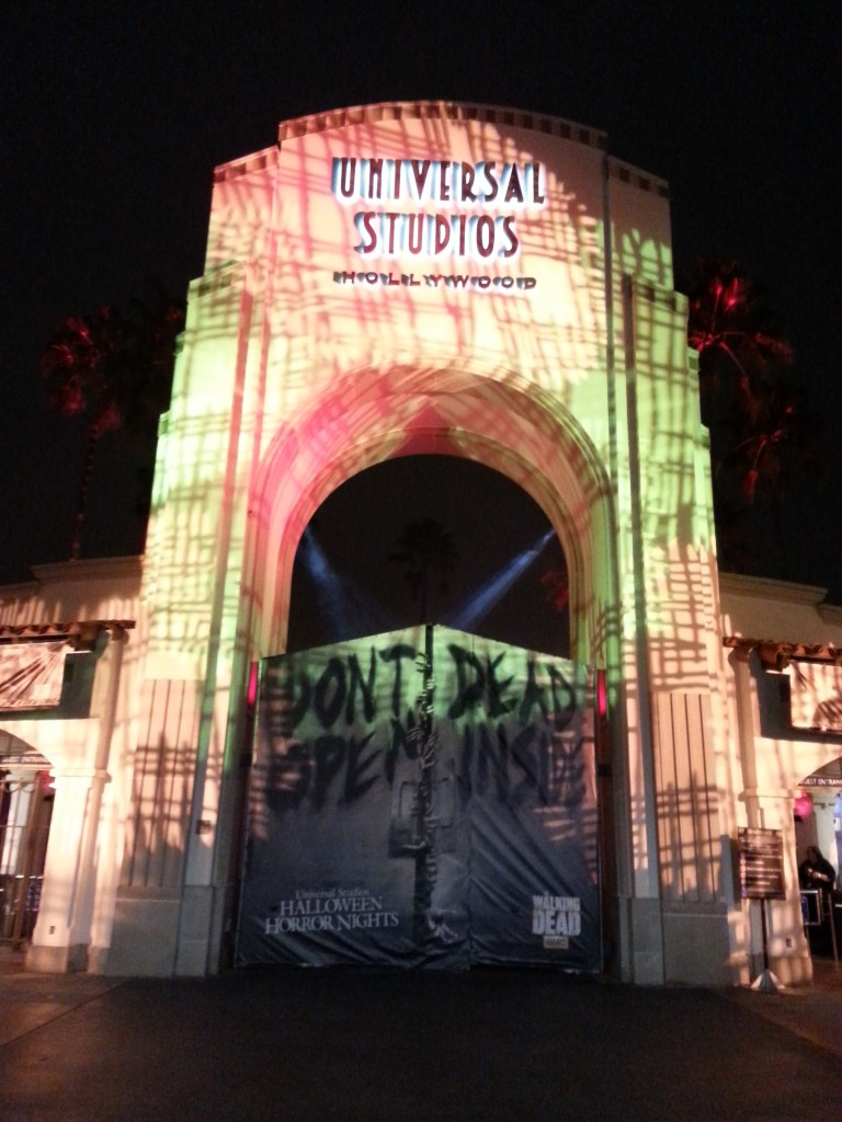 Behind the Thrills | Halloween Horror Nights Hollywood 2013 Full ...
