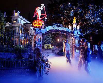 Haunted-Mansion-Holiday