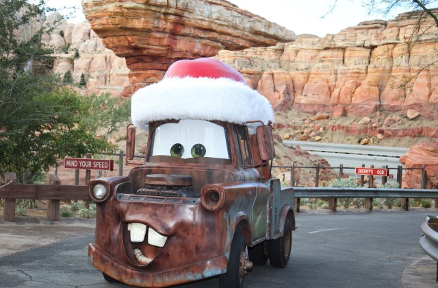 Mater-in-Holiday-Hat-0029772-640x420