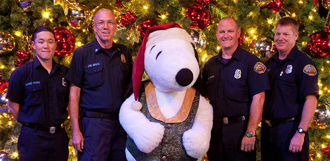 Knotts-Fire-and-Law-Picture-with-Snoopy-650-px-width