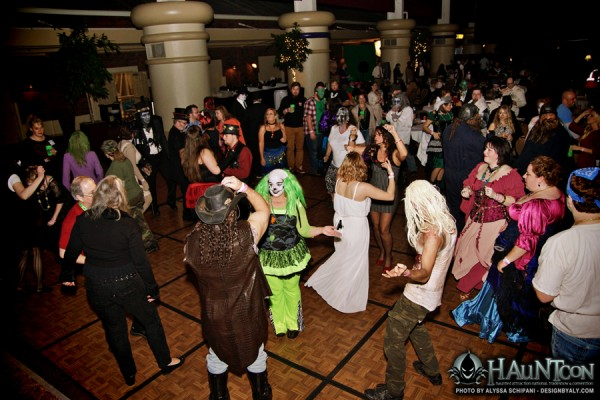 RESIZED-HAUNTCON (308)