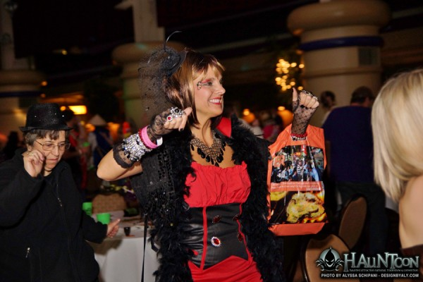 RESIZED-HAUNTCON (347)