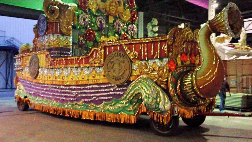 hauntcon 2015 mardi gras float dan hower