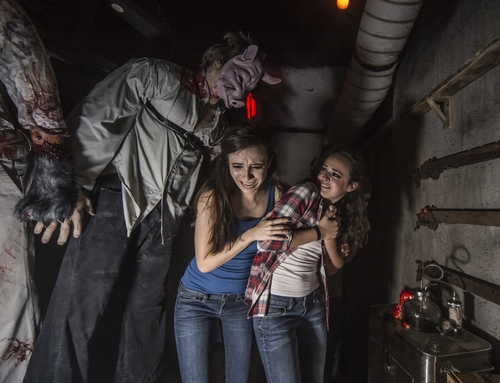 Unearthed Scarletts Revenge at Howl-O-Scream Busch Gardens Tampa 3