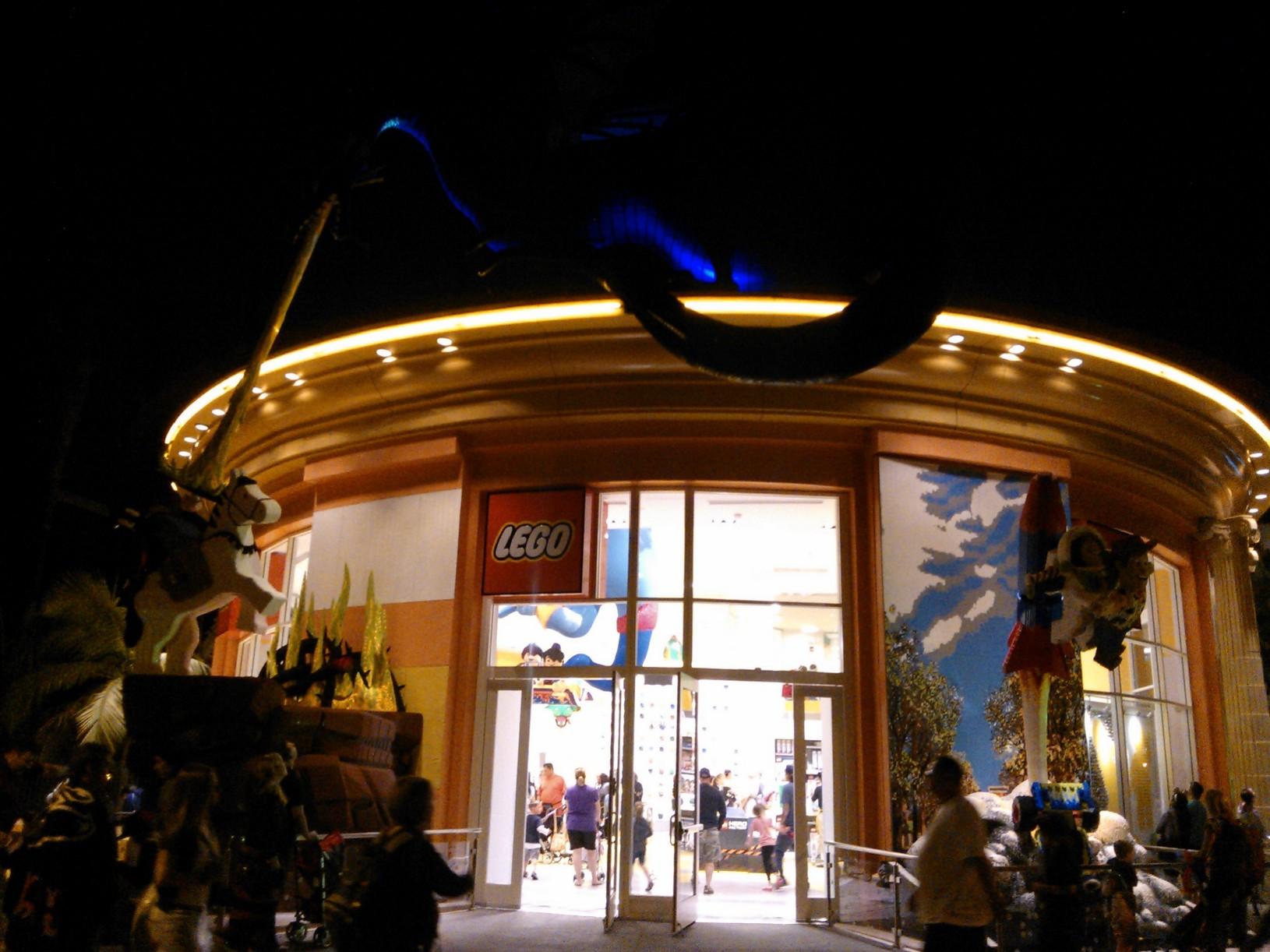 Inside Downtown Disney Anaheim S New Lego Store