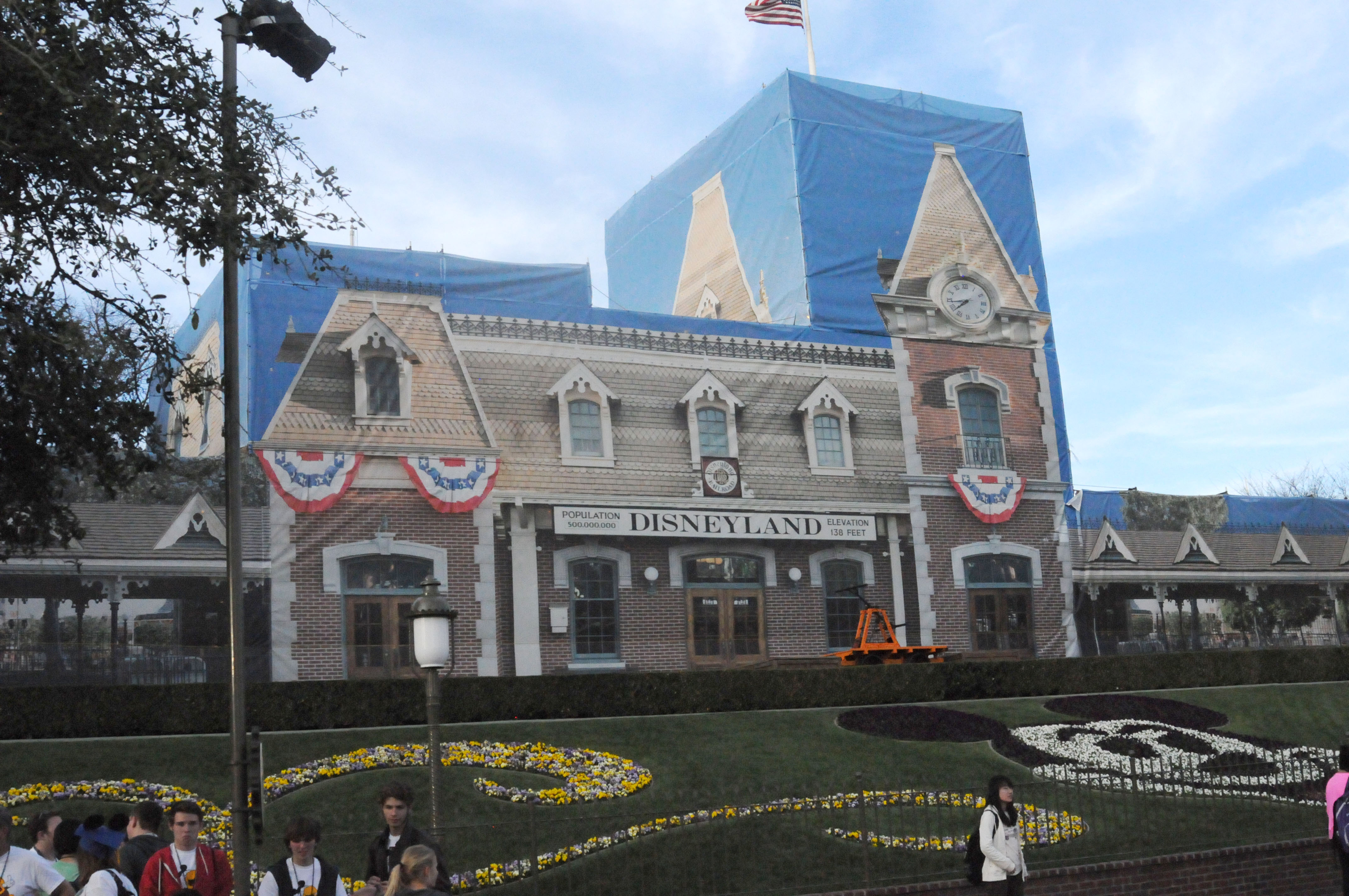 Disneyland Park Update Fantasy Faire Big Thunder Refurb