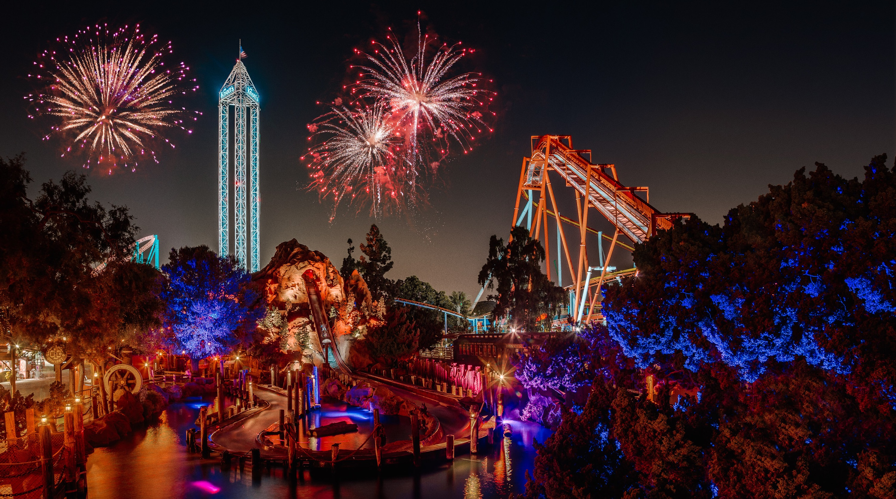 Behind The Thrills Knott S Berry Farm Announces 4th Of