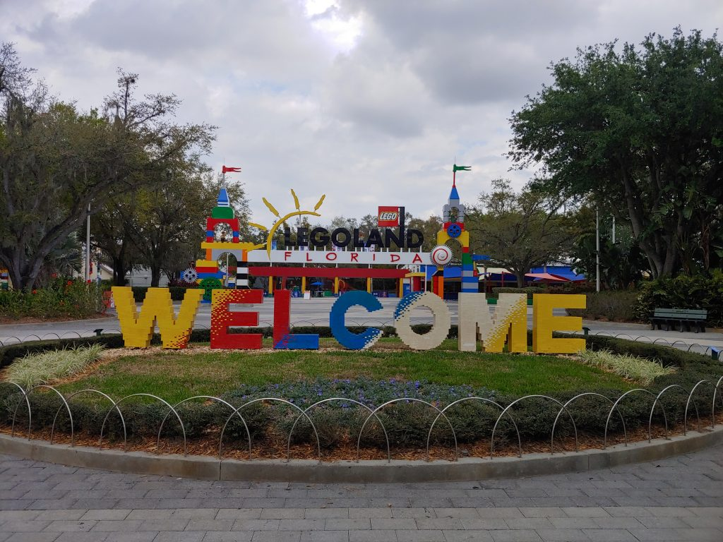 Entrance path to Legoland Florida
